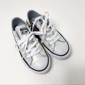 NWT Converse glittery sneakers